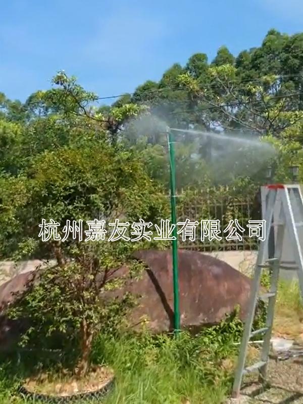 福建光泉光电孔雀园安装嘉友喷雾降温系统